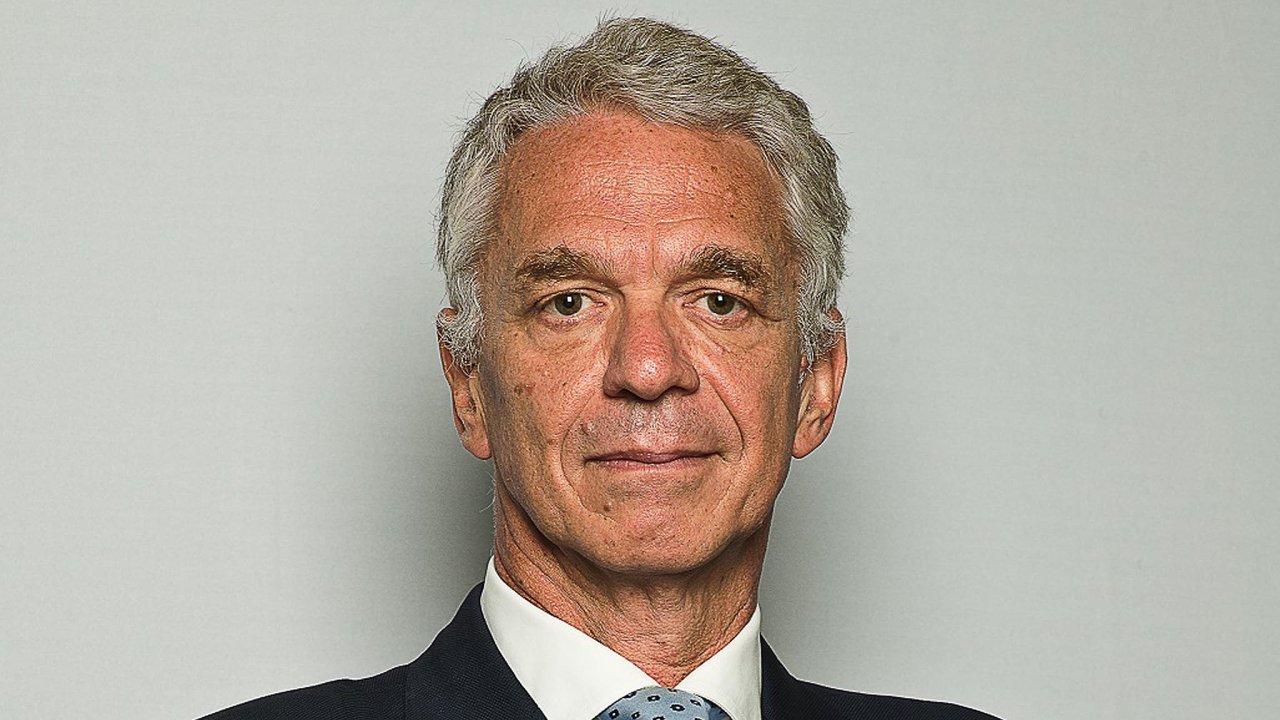 Stefano Pregnolato (56) byl jmenován členem představenstva aředitelem investic veskupině Amundi. Nyní přichází dočeské pobočky zLondýna, kde měl také nastarosti správu investic.
