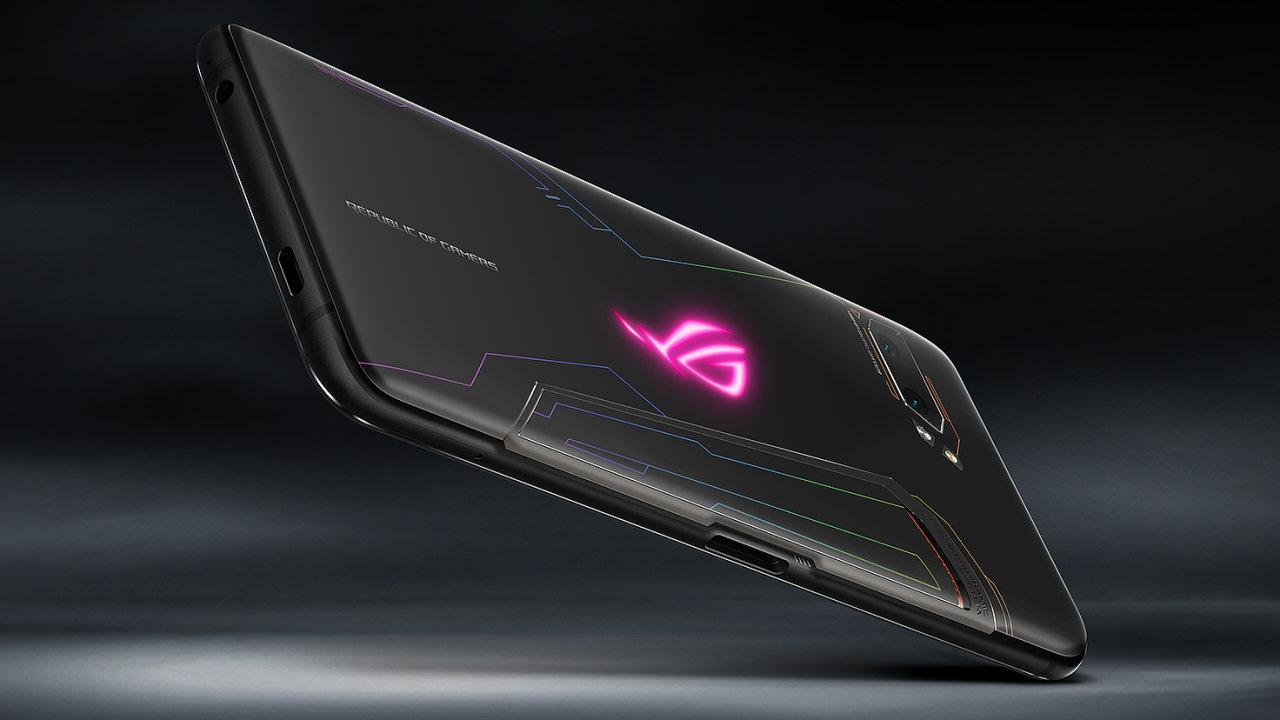 ROG Phone od Asusu cílí na hráče, na výkon a výdrž naláká i další uživatele