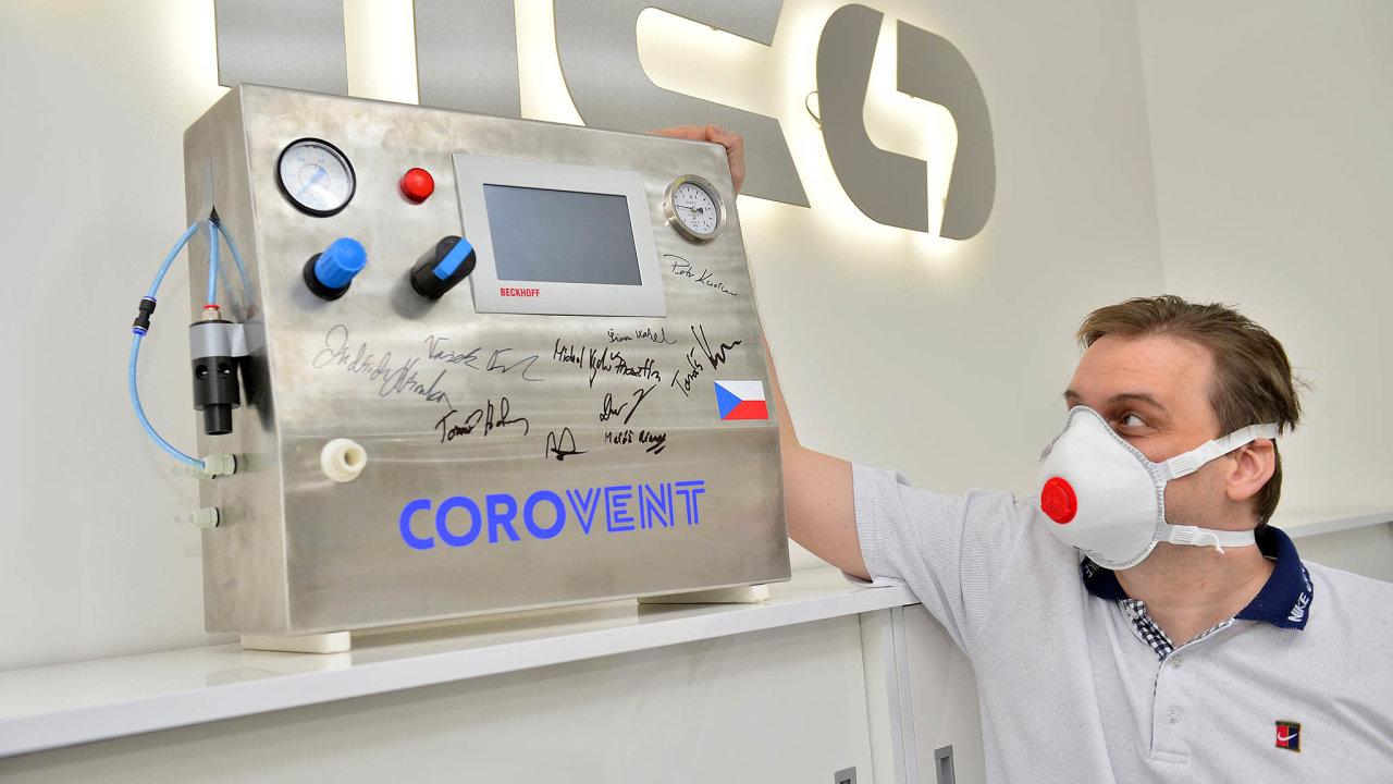 Datový analytik Tomáš Kapler inicioval vývoj nouzového plicního ventilátoru CoroVent pro pacienty scovid-19.