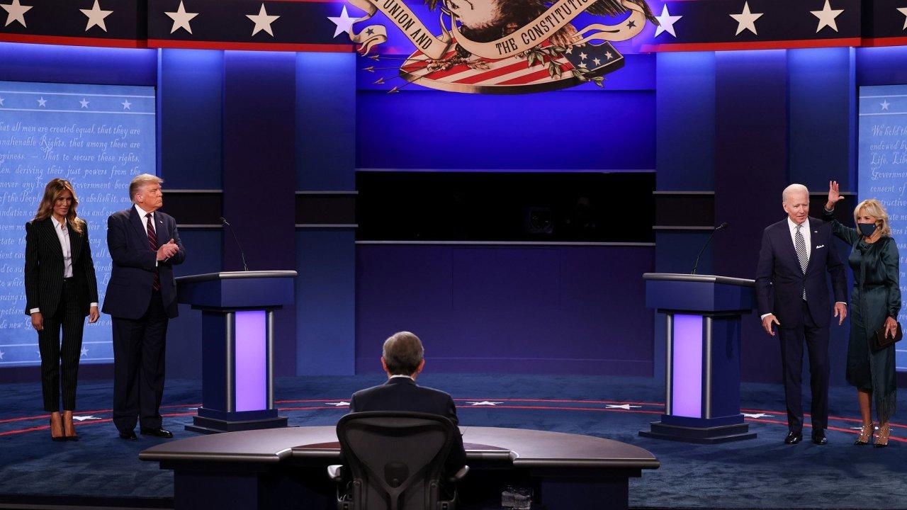 Trump a Biden v prvním přímém střetu