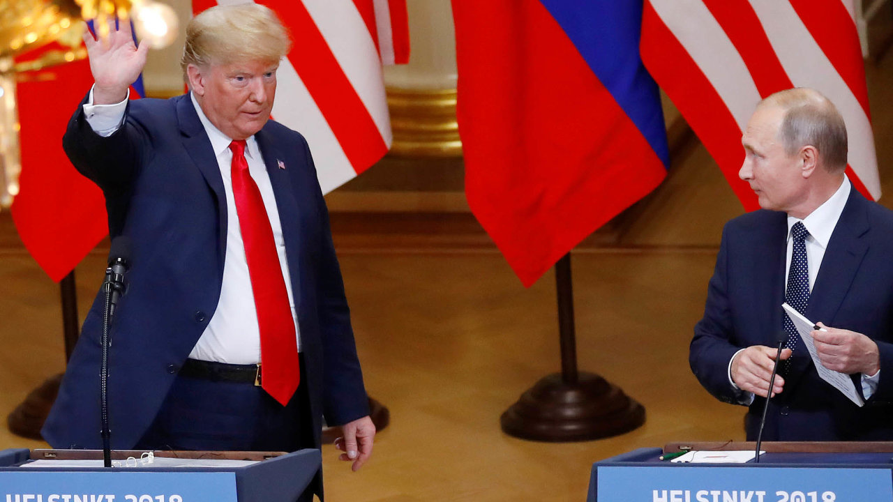 Donald Trump a Vladimir Putin spolu v roce 2018 jednali v Helsinkách.