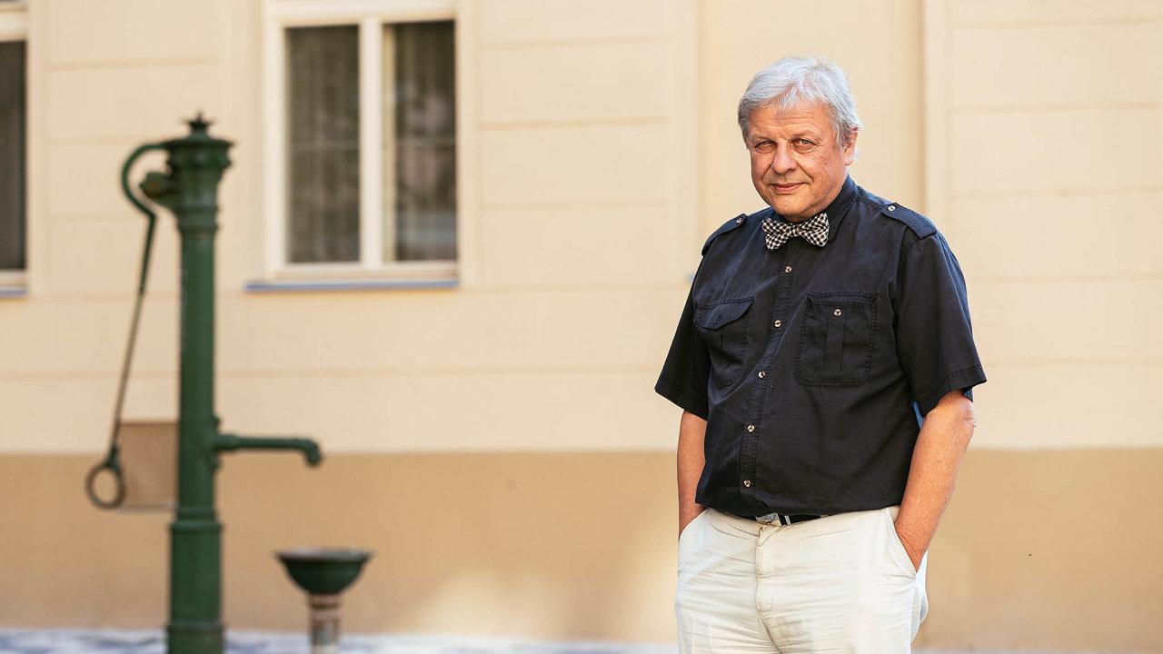 Zastánce kanálu. Prezidentův poradce Petr Forman hájí výstavbu kanálu Odra - Dunaj i tím, že jde o stavbu souladící s ekologickou politikou Evropské unie.