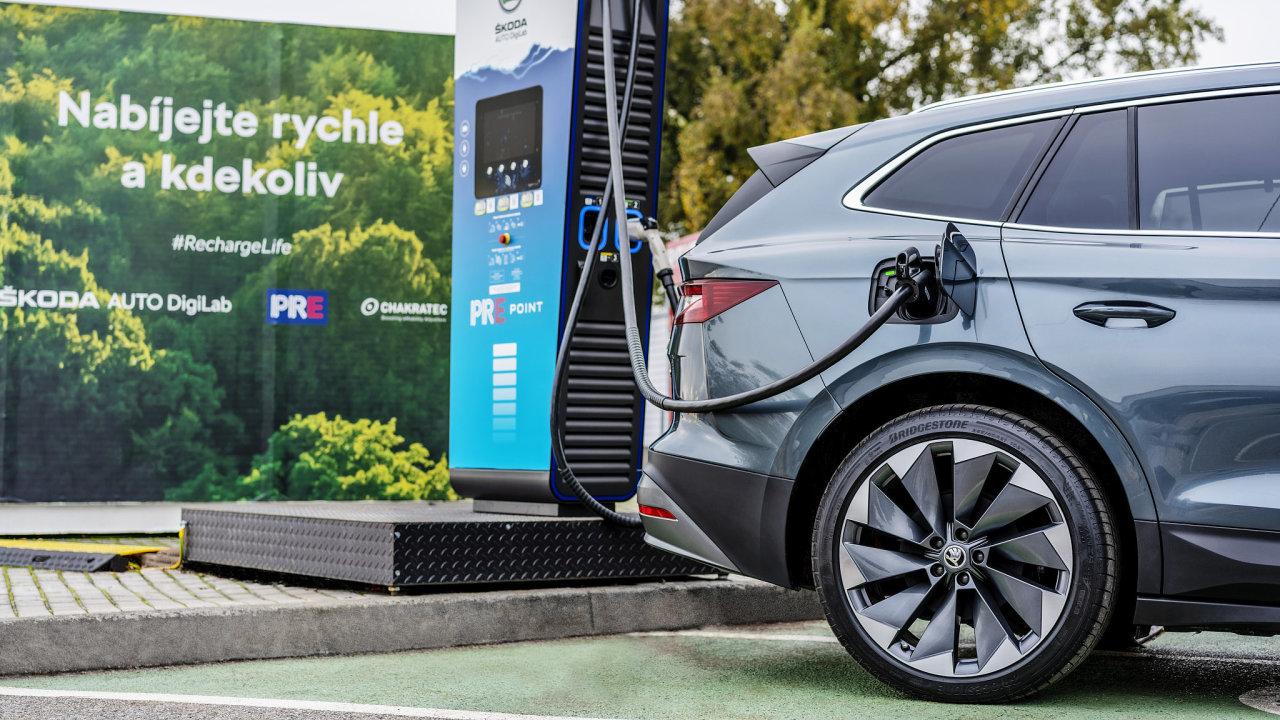 První rychlonabíječka elektromobilů se nachází u výstaviště PVA v Letňanech.