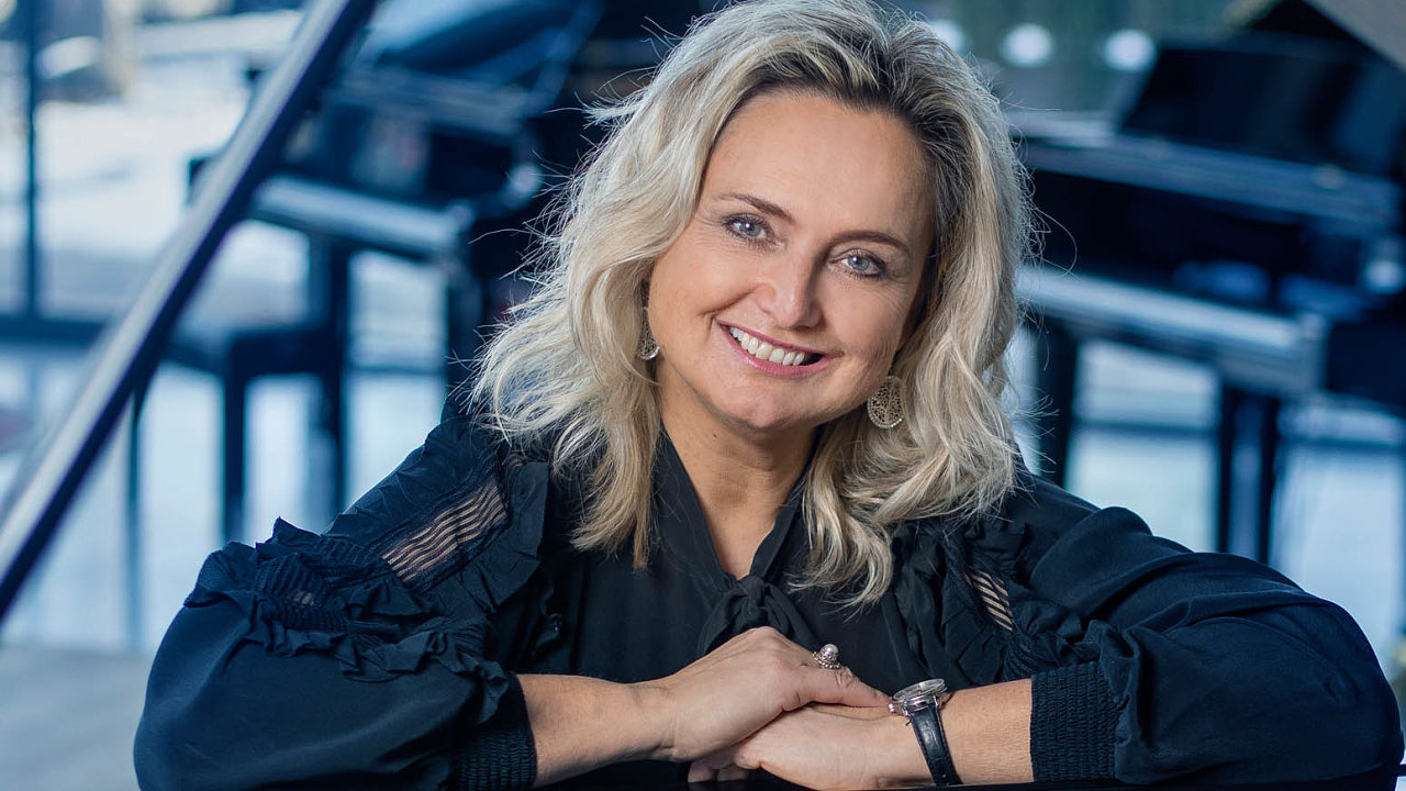 Aby se člověk stal klavírníkem, potřebuje 10 let praxe, přibližuje Zuzana Ceralová Petrofová, v jak specifickém oboru podniká.