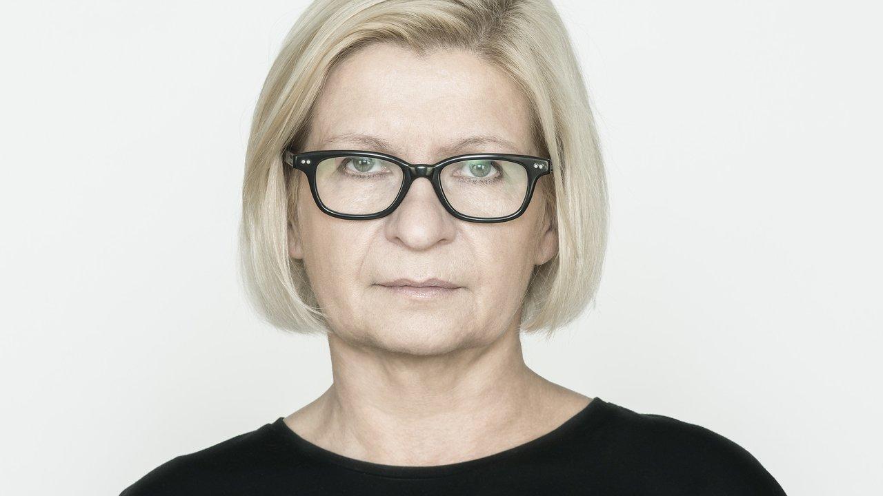 Lenka Lindaurová, kritička akurátorka vizuálního umění