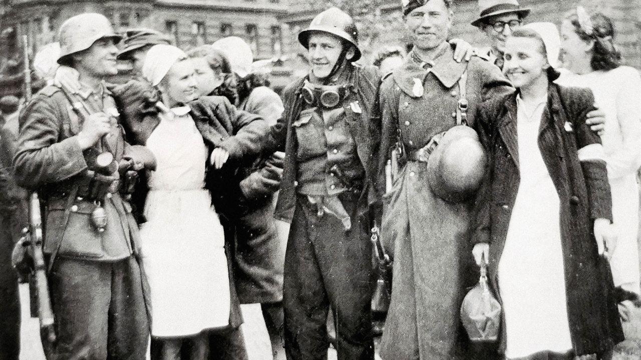 Vlasovce, které v květnu 1945 v Praze vítaly i sestřičky na dnešním Štefánikově náměstí, vyzval k boji proti Němcům sovětský důstojník Vladimír Radolinskij-Sokolov.