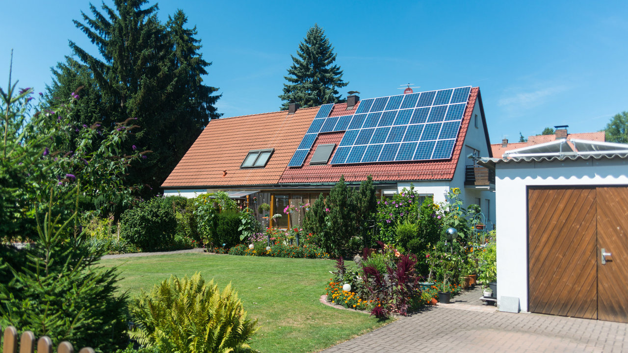 téma pražské plynárenské fotovoltaika