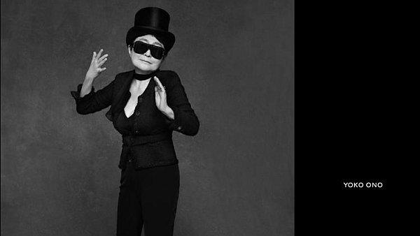 Yoko Ono, kterou fotil Karl Lagerfeld
