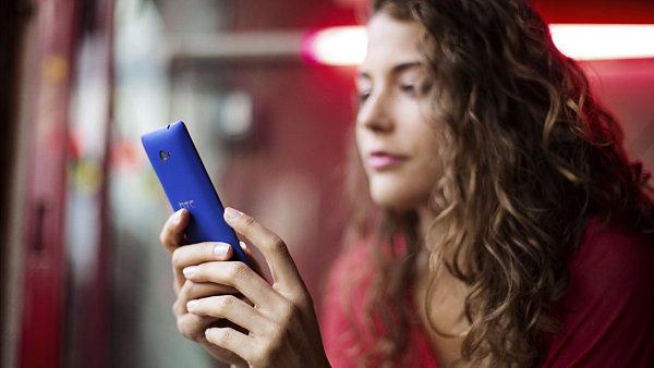 T-Mobile zah�j� od konce dubna nov� ��tov�n� roamingov�ch hovor� v r�mci EU � ilustra�n� foto.