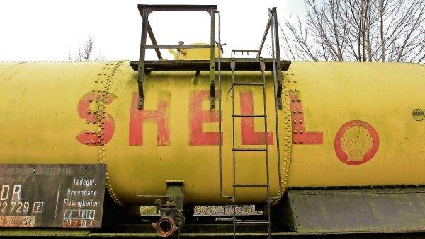Na Shell doléhá nízká cena ropy, propustí až 10 tisíc zaměstnanců - Ilustrační foto.