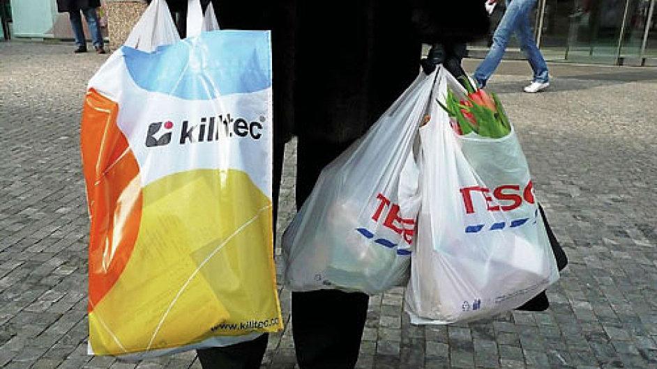 Igelitové tašky, ilustrační foto.