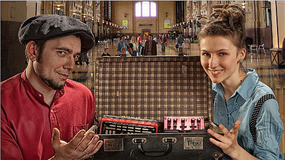 Duo Zapaska na svůj pražský koncert přijede vlakem.