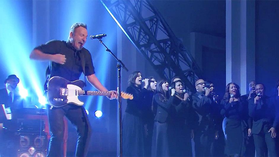 Bruce Springsteen zahrál Stingovi na večírku Kennedyho centra.