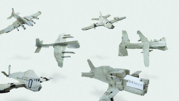 Detail kartonových letadel od němckého umělce Hanse-Jörga Georgiho.