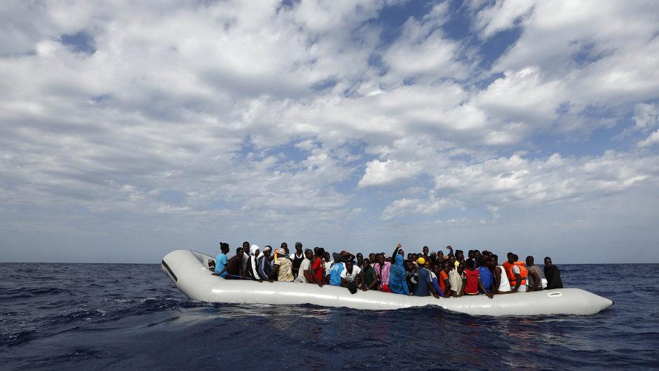 Řecko nyní začalo překonávat Itálii coby nejčastější cíl uprchlíků z Afriky a Středního východu. Podle OSN jich letos připlulo 80 tisíc.