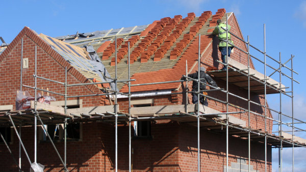 Počet veřejných zakázek do stavebnictví meziročně klesá - ilustrační foto.