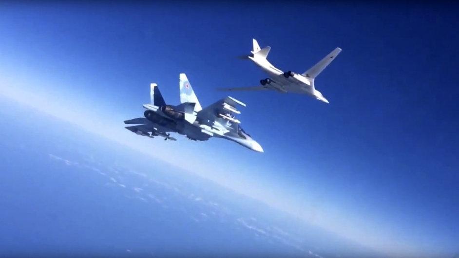 Rusko nasadí pro ochranu svých bombardérů více stíhaček, oblast bude chránit křižník Moskva - Ilustrační foto.