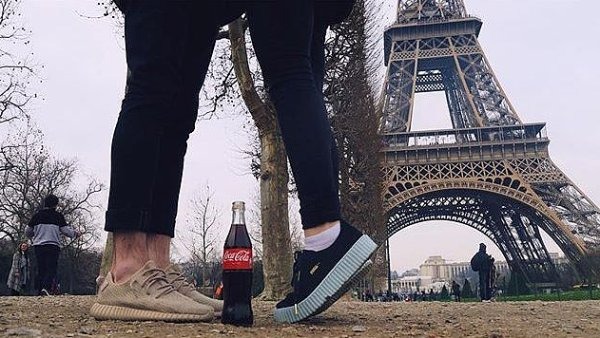Nej�sp�n�j�� fotkou kampan� Taste the Feeling se stala ta od �esk� youtuberky Teri Blitzen