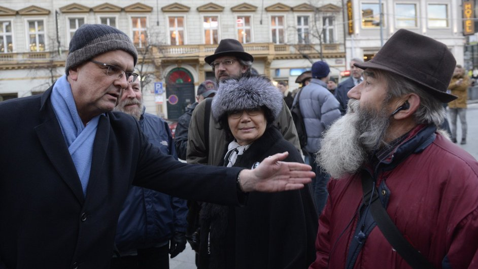 Miroslav Kalousek na protestu proti oligarchizaci společnosti.