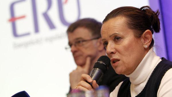 Vit�skov� vyjela do kraj� vysv�tlovat zm�nu tarif� elekt�iny.