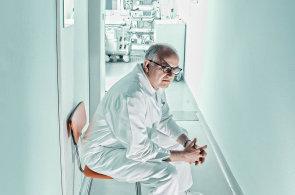 Kdybychom zjistili, �e nemocn� za ledvinu zaplatil, odm�tneme transplantovat, ��k� hepatolog Pavel Trune�ka