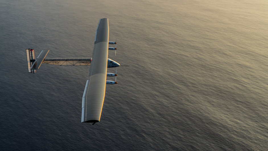 Solar Impulse 2  při servisním letu na Hawaii