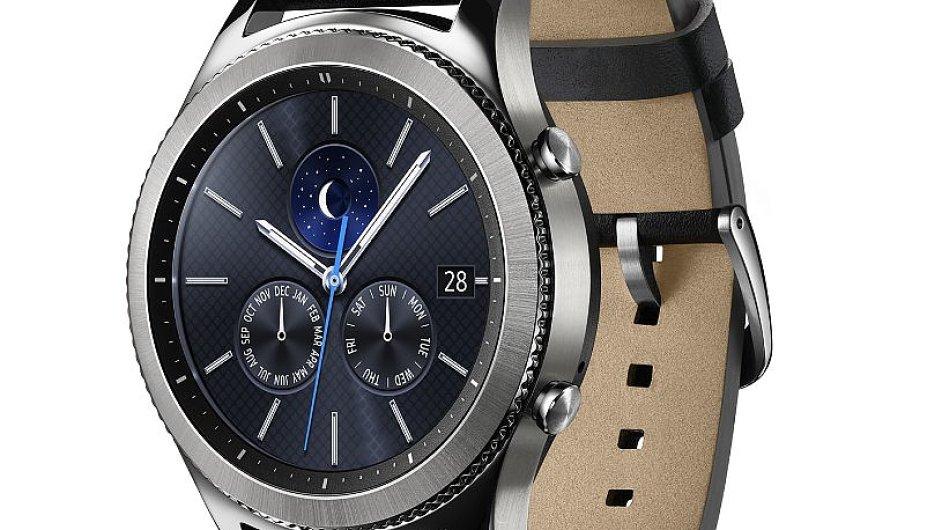 Luxusní hodinky Samsung Gear S3, verze classic.