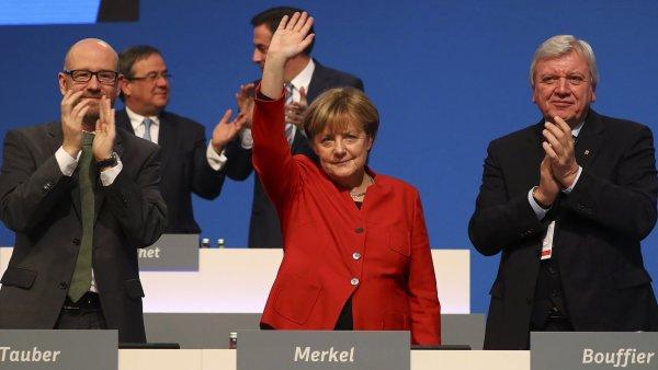 Angela Merkelová dál povede křesťanské demokraty.