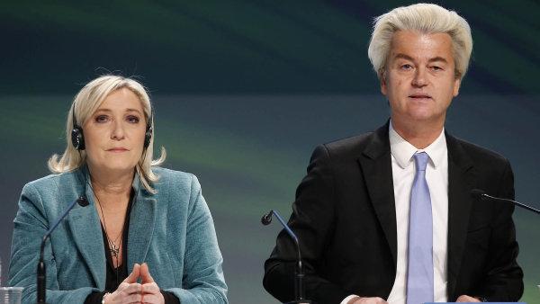 Geert Wilders ve středečních volbách nečekaně neuspěl, opravdová zkouška ale populisty čeká až ve francouzských prezidentských volbách, jejichž favoritkou je šéfka Národní fronty Marine Le Penová.