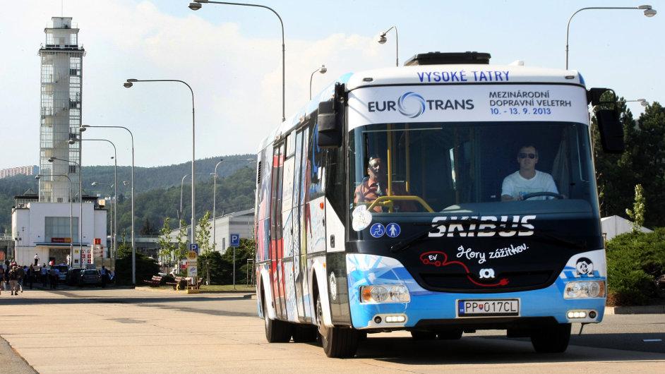 Elektrobus z dílny firmy SOR Libchavy ujede na jedno nabití zhruba 150 km.
