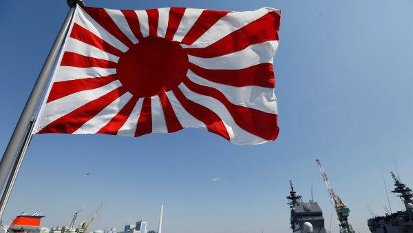 Japonsko s Čínou vede dlouhodobě spory ohledně ostrovů ve Východočínském moři, na které si dělají oba státy nárok.