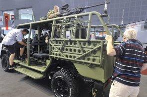 Zetor chce kromě traktorů stavět i vojenská vozidla. V Brně představil bojovou