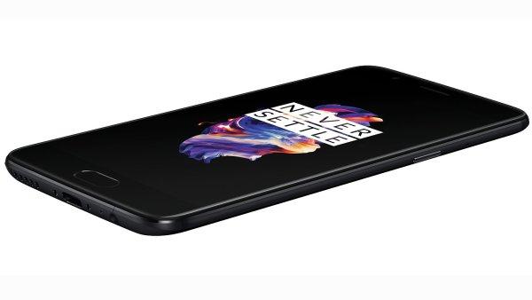 Chytrý telefon OnePlus 5