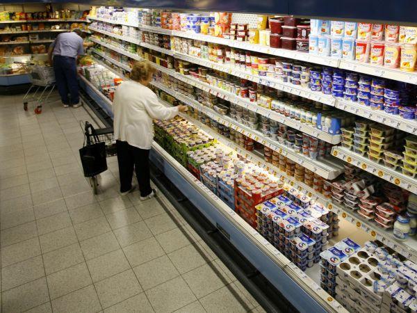 Právní úprava načeské úrovni, ale ani naté unijní, jasné řešení různých kvalit potravin určených pro Východ či Západ neřeší.