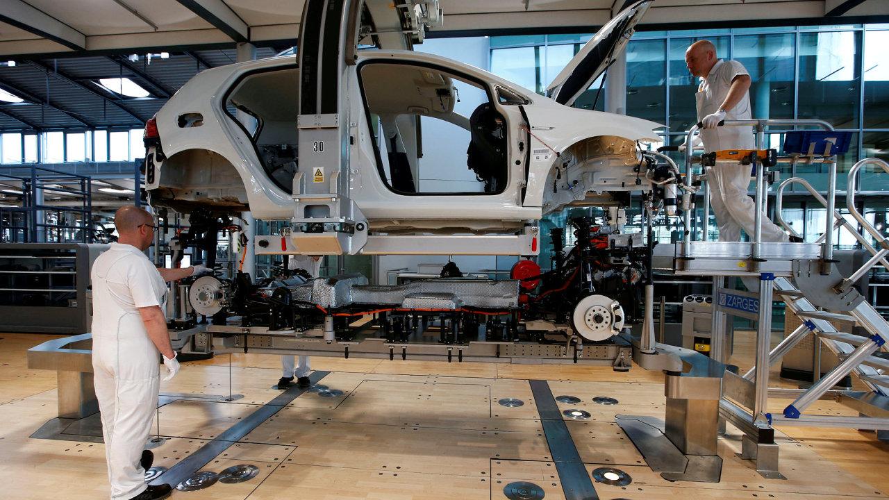 Drážďany, Volkswagen, továrna, dělník
