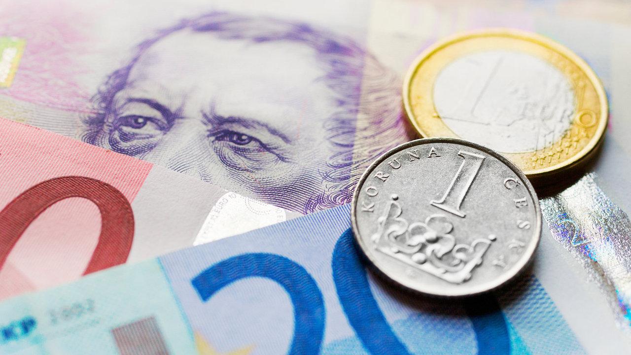 V rámci eurozóny se od roku 2002 uplatňují stejné poplatky na vnitrostátní platby v eurech - Ilustrační foto.