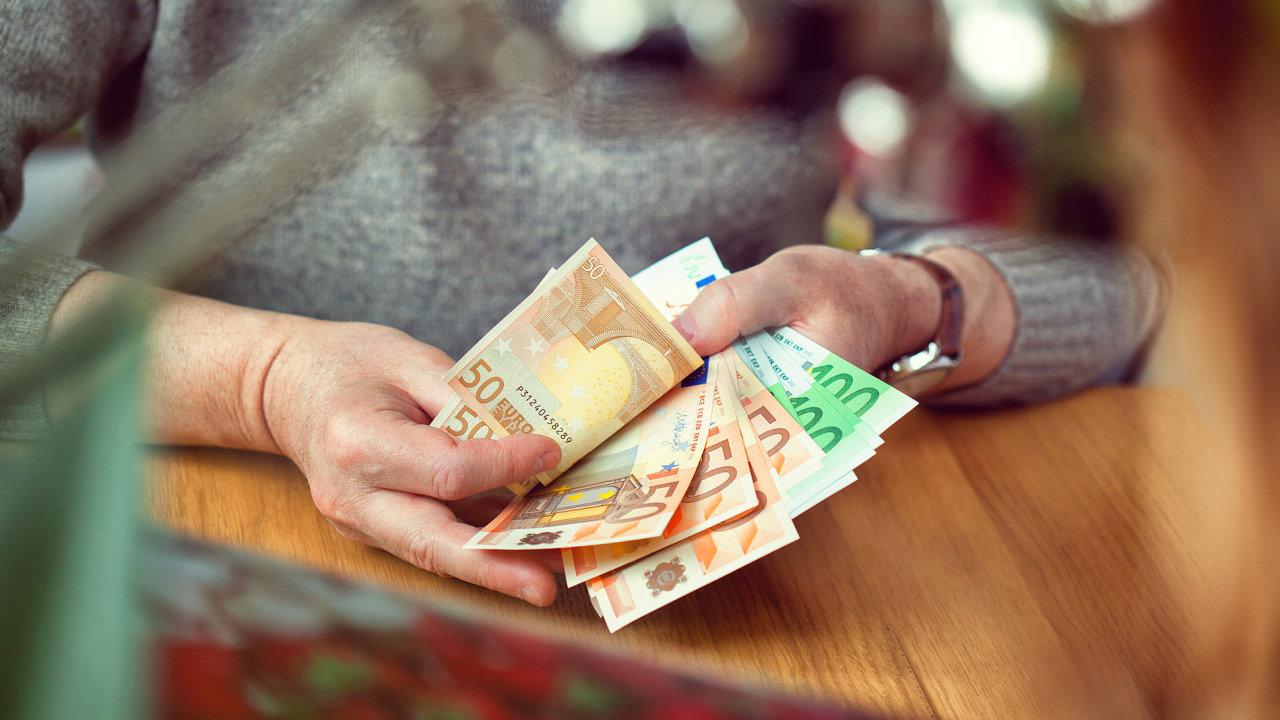 Ilustrační fotografie, Euro, bankovka, bankovky, peníze, měna, 2017