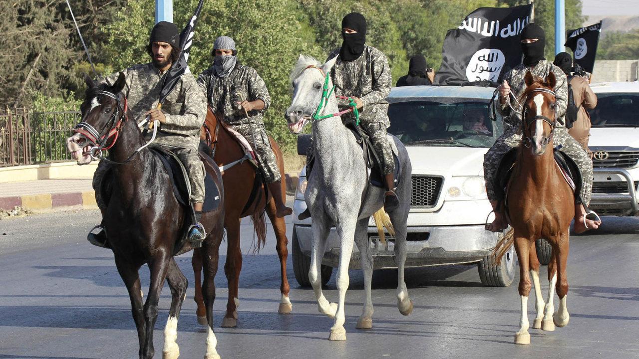 Sen o chalífátu končí. Islámskému státu dnes zbývá asi 10 tisíc čtverečních kilometrů převážně pusté krajiny.