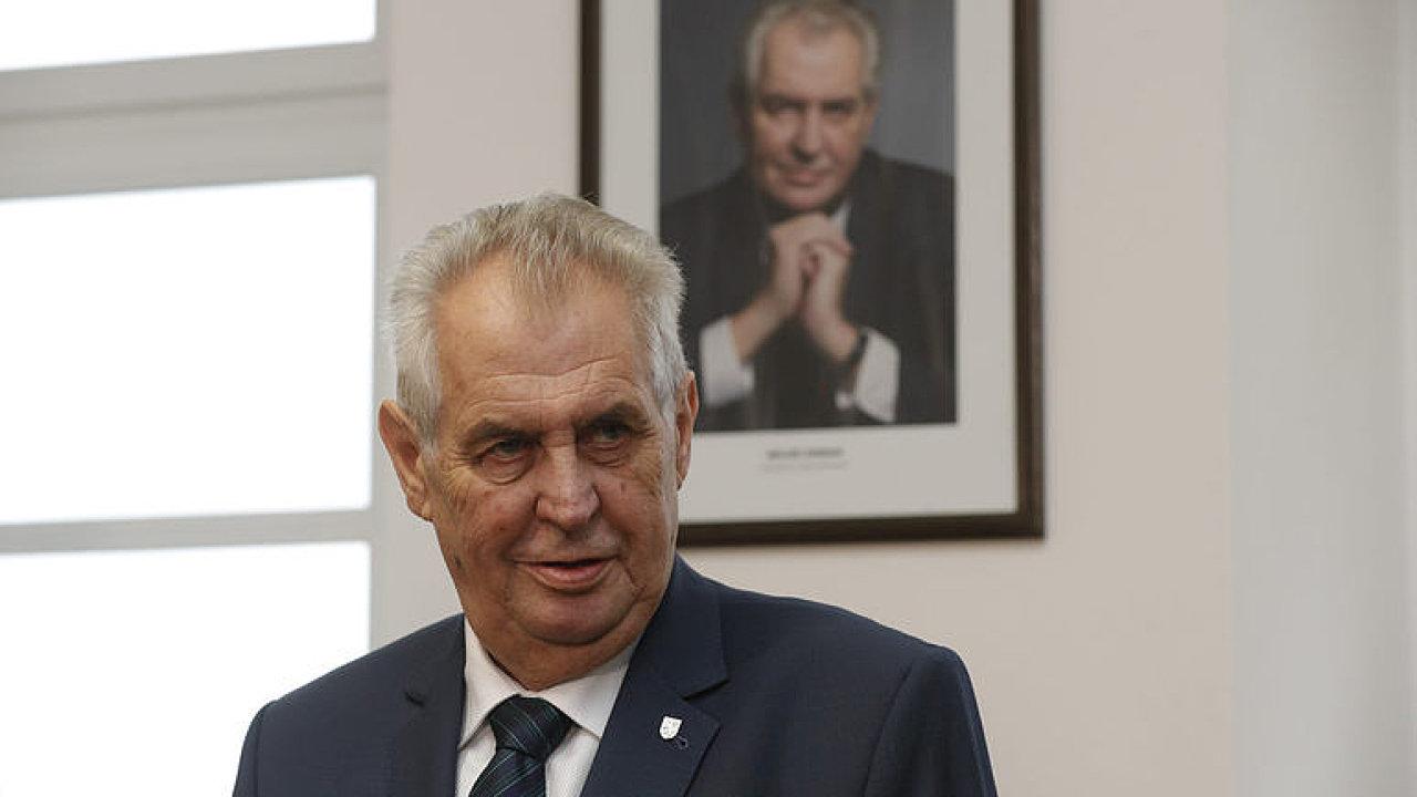 Exkluzivní rozhovor s kandidátem na prezidenta Milošem Zemanem, který nepřišel.