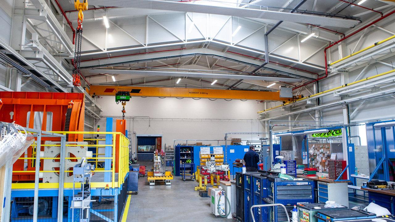 Nová budova v areálu AGC Automotive Czech bude sloužit především pro uskladnění forem a maket pro výrobu.