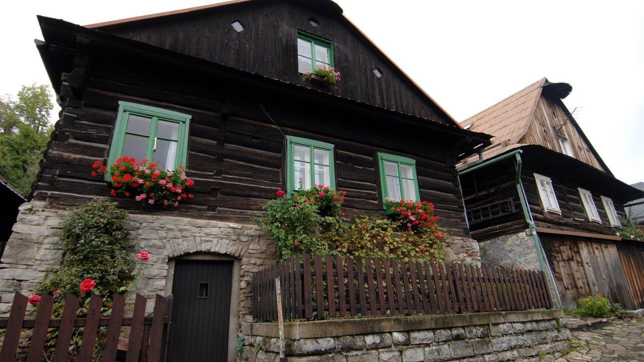 Nejvyšší ceny rekreačních nemovitostí jsou ve Středočeském kraji, na Šumavě a v Krkonoších.