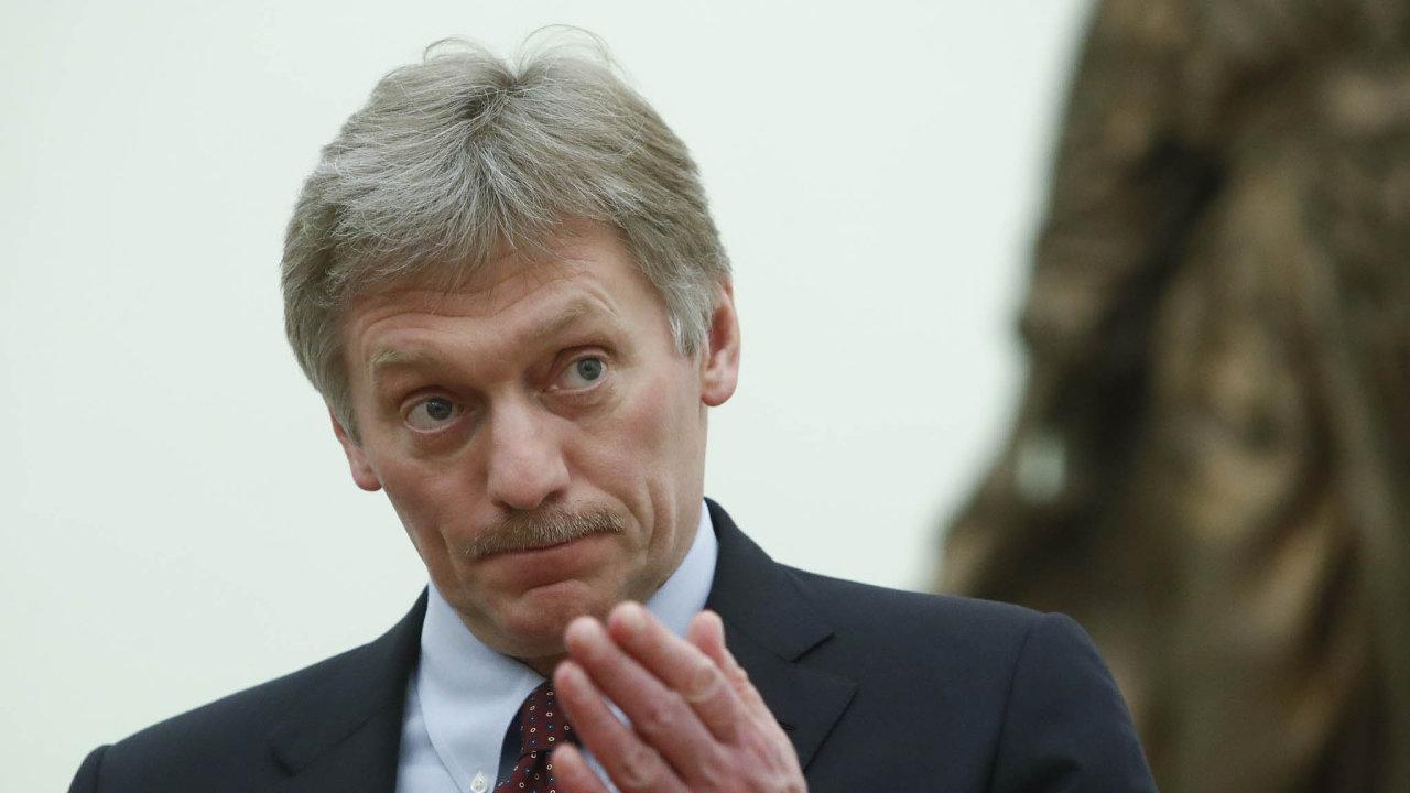 Dmitrij Peskov, mluvčí Kremlu: Samozřejmě že vůbec nesouhlasíme svýrazem 'sovětská okupace' anesouhlasíme ani stím, aby se jednalo onějakém odškodnění.