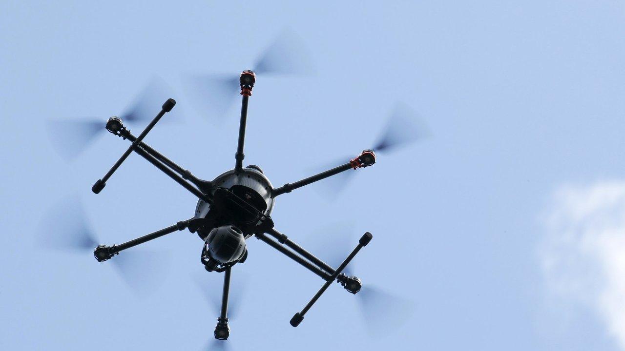 Dron – ilustrační foto