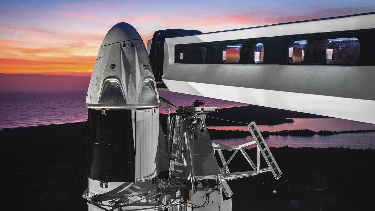 Vše už je připraveno ke startu. Kromě lidské posádky. Ta se prvního testovacího letu Crew Dragon kapsle ještě nezúčastní.