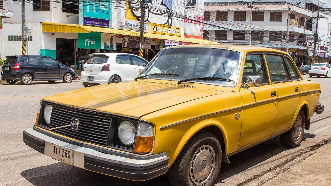 Jak se automobilky naučily milovat katalyzátory a jaká naděje z toho plyne