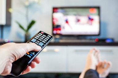 Televizor má 93 procent českých domácností. Televizní stanice se tak o příjmy z reklamy příliš bát nemusí.