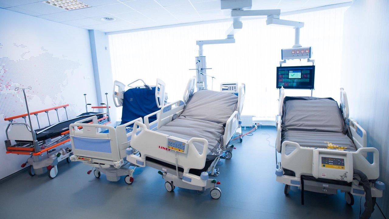 Nutnost proclívat. Společnost Linet vyváží do Velké Británie nemocniční lůžka. Je jednou z firem, které si budou muset osvojit nová pravidla exportu, přičemž stále není jasné, jaká budou.
