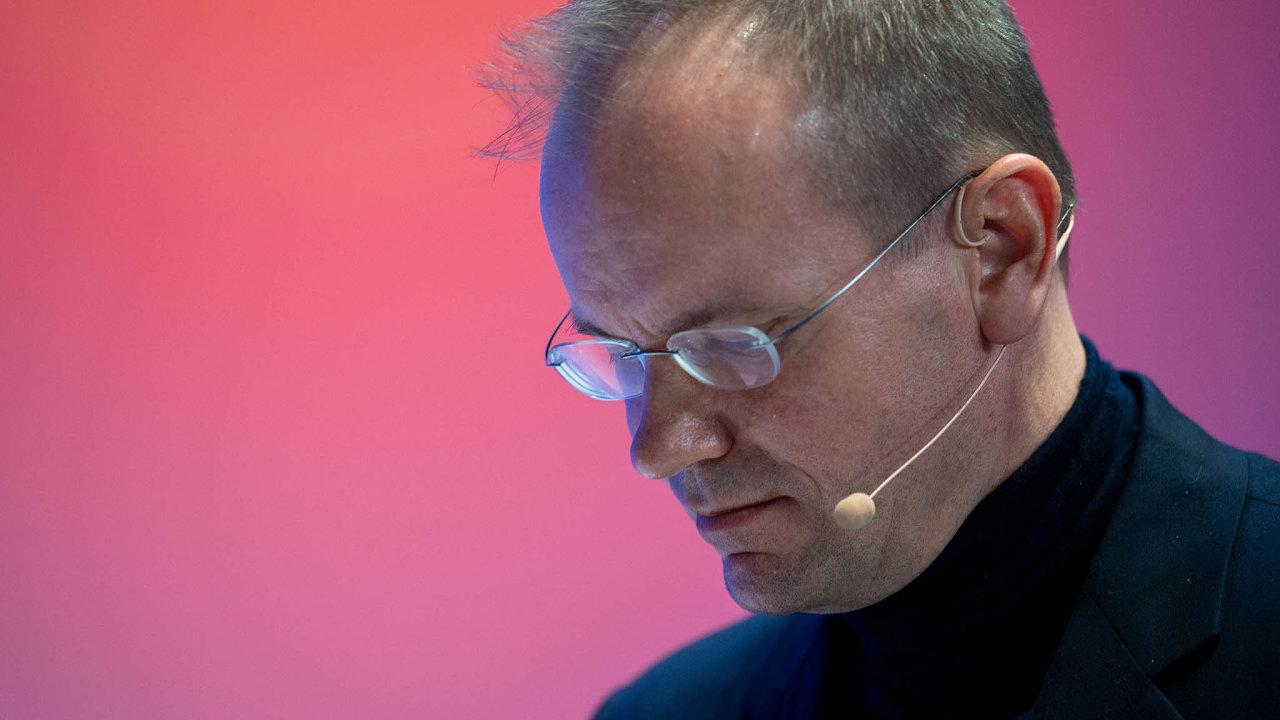 Šéf Wirecard Marcus Bauer na svůj post rezignoval akvůli manipulacím súčetnictvím firmy byl zadržen. Propuštěn byl na kauci. Stále více to ale vypadá, že případ není jen selháním několika manažerů.