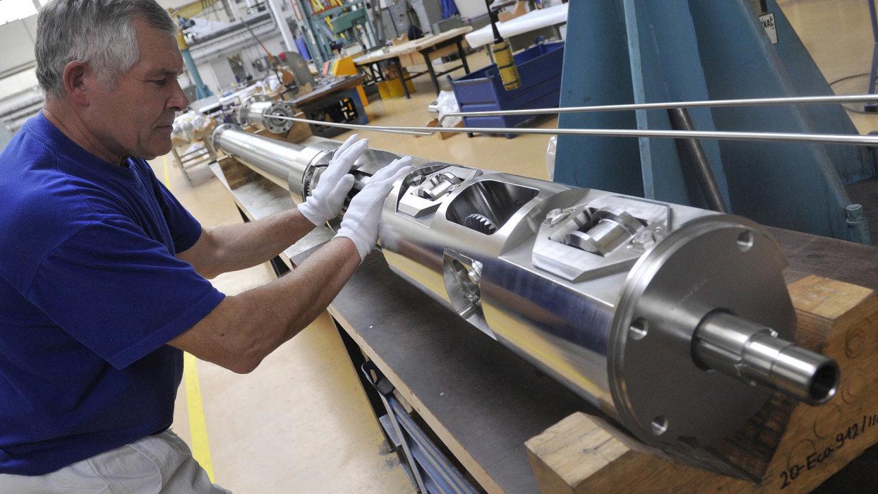 Poslední mohykán: Škodu JS (dříve Jaderné strojírenství) odroku 2004 Škodu JS vlastní společnost OMZ zeskupiny ruské Gazprombank.
