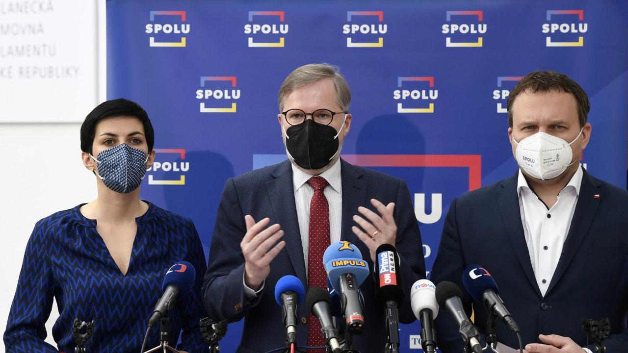 Máme dost podpisů ke svolání mimořádné schůze sněmovny, na které chceme vyslovit nedůvěru vládě Andreje Babiše, oznámili členové koalice Spolu. Chybějící podpisy jim dodali Piráti a STAN.